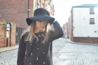 black wide brimmed hat, european style