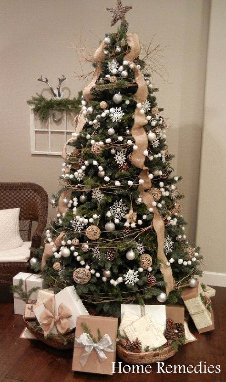 elegant christmas tree