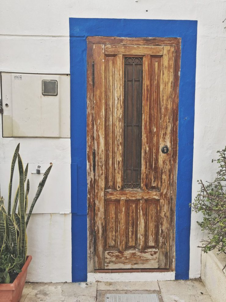 doors in alicante