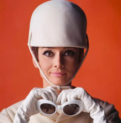 Audrey Hepburn, How to steal a million (1966) starring Peter O'Toole