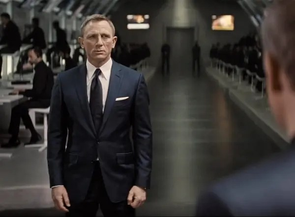 spectre-blue-sharkskin-suit