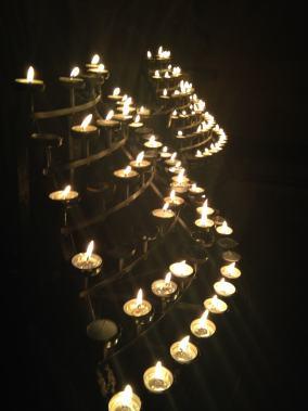 Candles at St Giles Cathedral edinburgh on la Féill Bríd / Imbolc