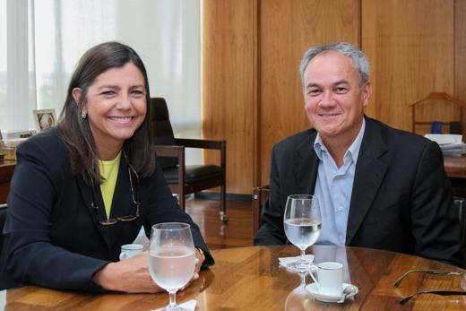 Foto 1 - Governadora em Brasilia 0103