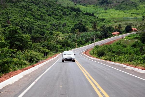 Foto 4 - Governadora inaugura estradas foto Handson Chagas[1]