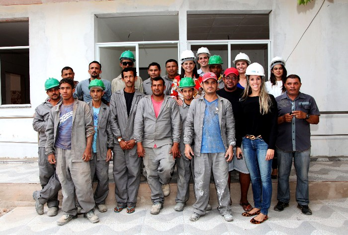 Foto 4 Governadora vistoria obras no Solar do Outono - Cópia