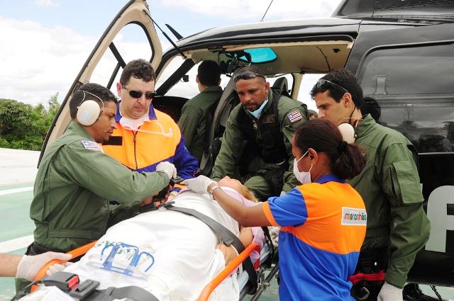 Foto 5 SES - vítimas do acidente em Bacuri são removidas  (Aline Silva foto Nestor Bezerra