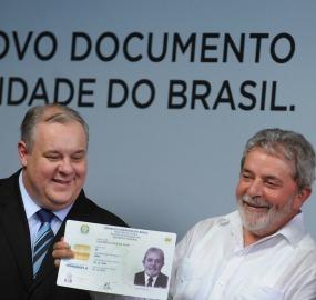 Ministério da Justiça diz que projeto retomado por Lula e pelo ex-ministro Luiz Paulo Barreto foi interrompido para rediscussão