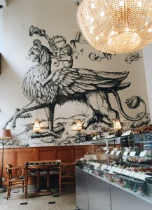 Cafe culture in Budapest - Auguszt
