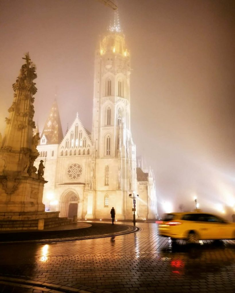 Photo Budapest Foggy Night Castle Hill