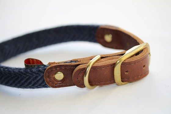 Navy Blue Herringbone Tweed Collar