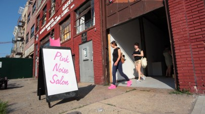 pink-noise-salon-at-the-flux-factory_14650663497_o