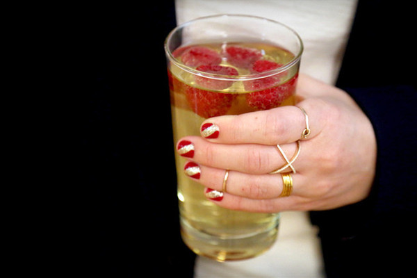 Sips and Tips: The Raspberry Sparkle Cocktail and Red Carpet Mani: http://www.stylebistro.com/Nails/articles/fY9mGjljCHv/Sips+Tips+Raspberry+Sparkle+Cocktail+Red+Carpet