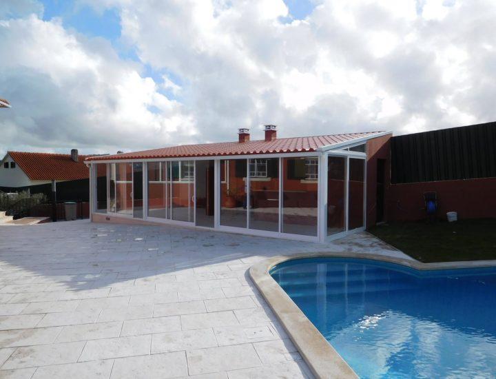 Casa de apoio a piscina