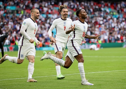 Sterling, Kane pastikan kemaraan England