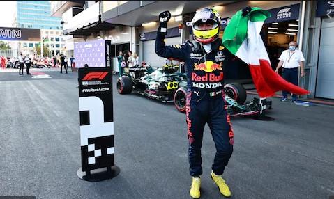 Sergio Perez juara 'Street Fighters' GP Azerbaijan