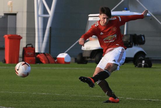 'Wonderkid' McNeill jadi fenomena di Manchester United