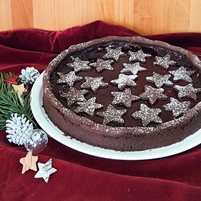 Lebkuchen Tarte mit Sternen dekoriert von Cake Confession