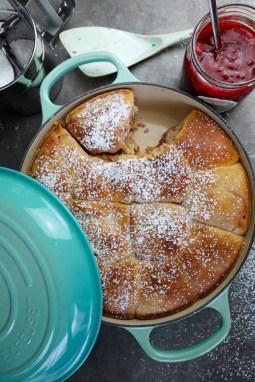 Frisch gebackene Buchteln aus dem Hefeteig Grundrezept von Cake Confession