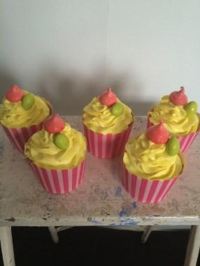 Lemon Easter mini cakes