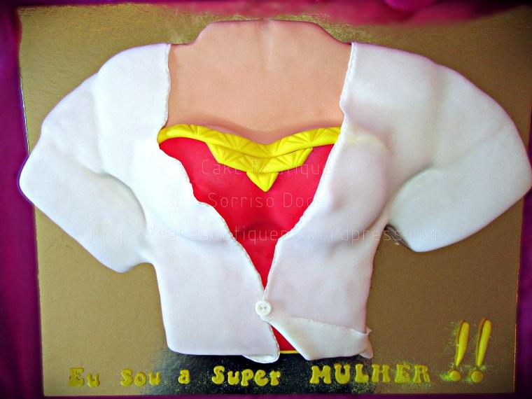 Bolo da Super Mulher