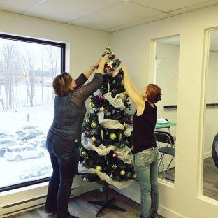 Cake passe en mode FESTIF ?? . • . • . #agencylife#christmastree#christmasmode#teamwork