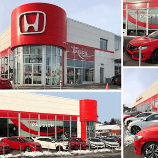 En octobre, notre client Sherbrooke Honda dévoilait sa nouvelle image. Vous avez d'ailleurs peut-être eu la chance de voir son nouveau logo ou d'entendre son nouveau slogan! Maintenant, vous pourrez aussi les apercevoir depuis la King, comme ils volent la vedette dans les vitrines du concessionnaire! ?
