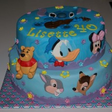 Disney taart. Donald Duck, Minnie Mouse, Poeh, Stampertje, Stitch en Bambi