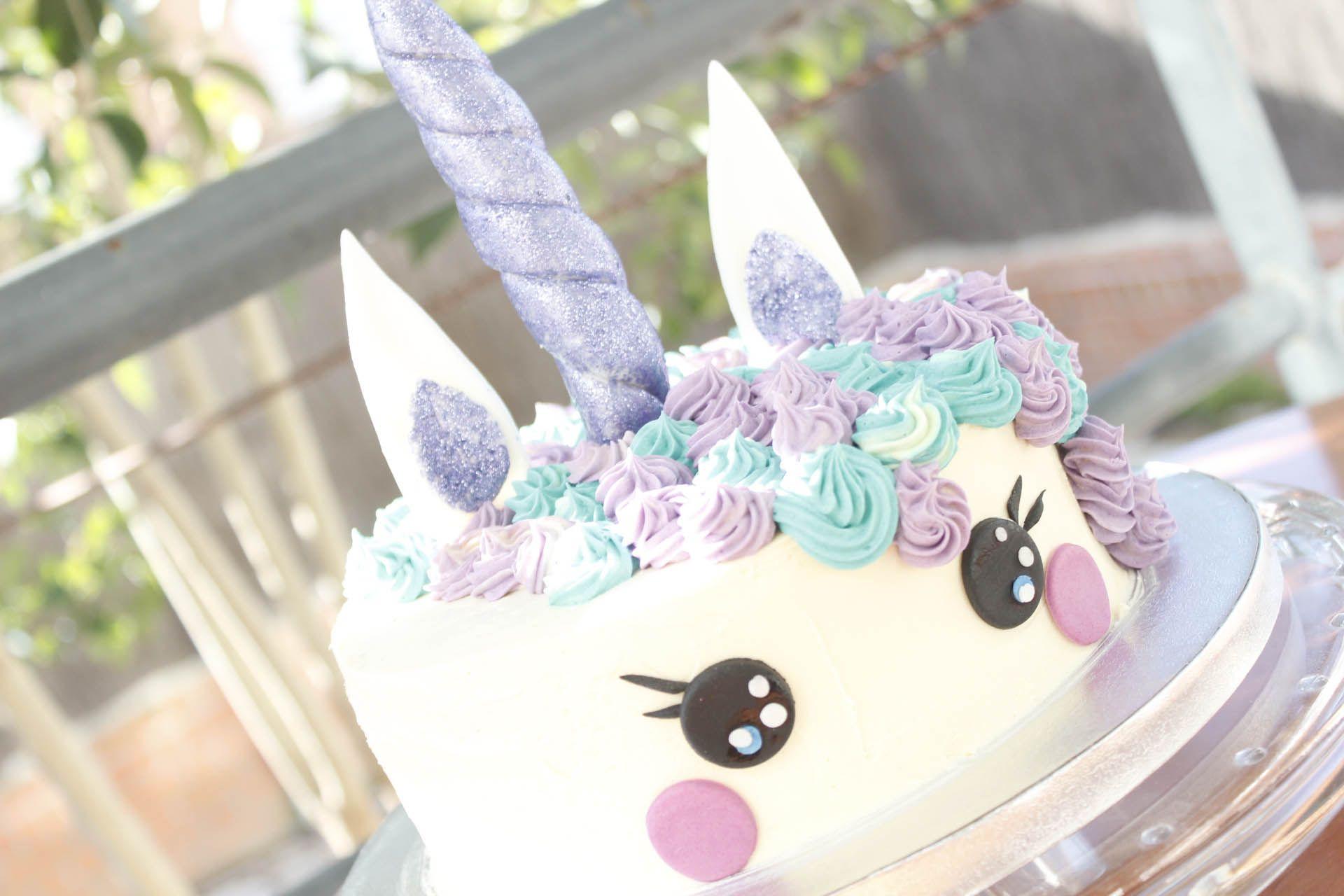 Tarta unicornio morada