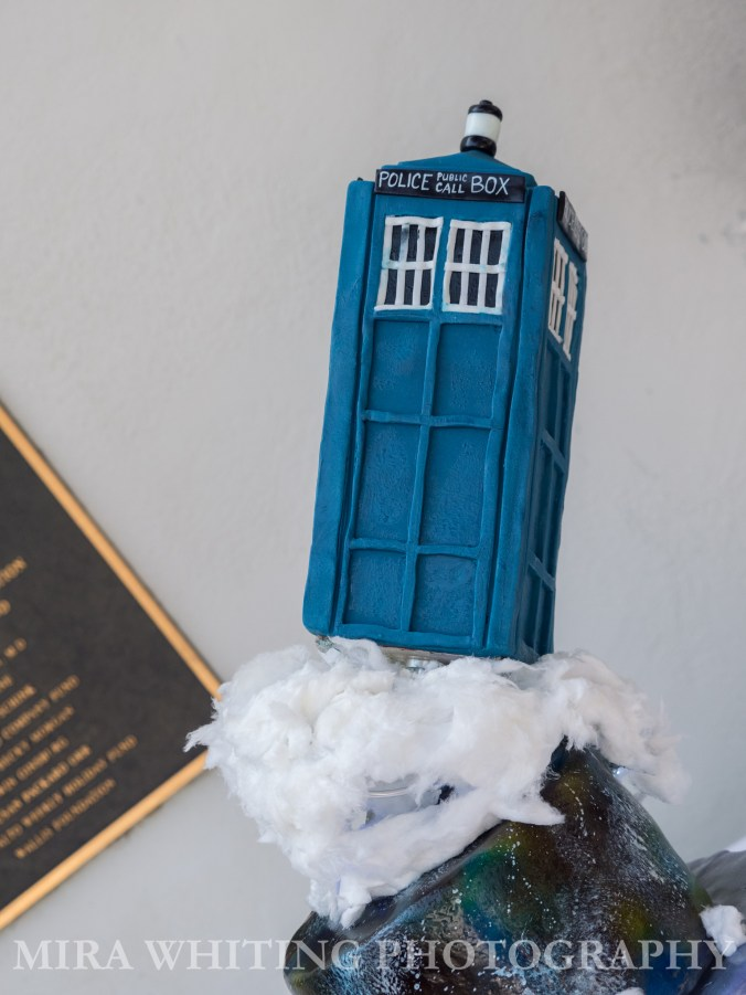 Tardis wedding cake topper made of cake