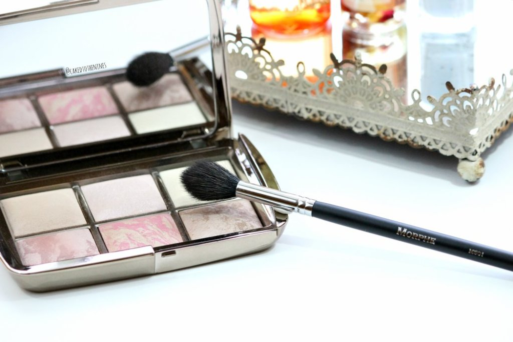 September beauty favorites | Hourglass Ambient Lighting Edit, Morphe M501 brush, Pixi Glow Tonic, Meraki Botanicals Cleansing Face Oil, Essie Find Me An Oasis