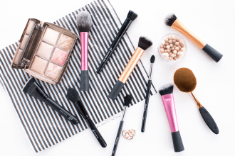 Must have inexpensive makeup brushes