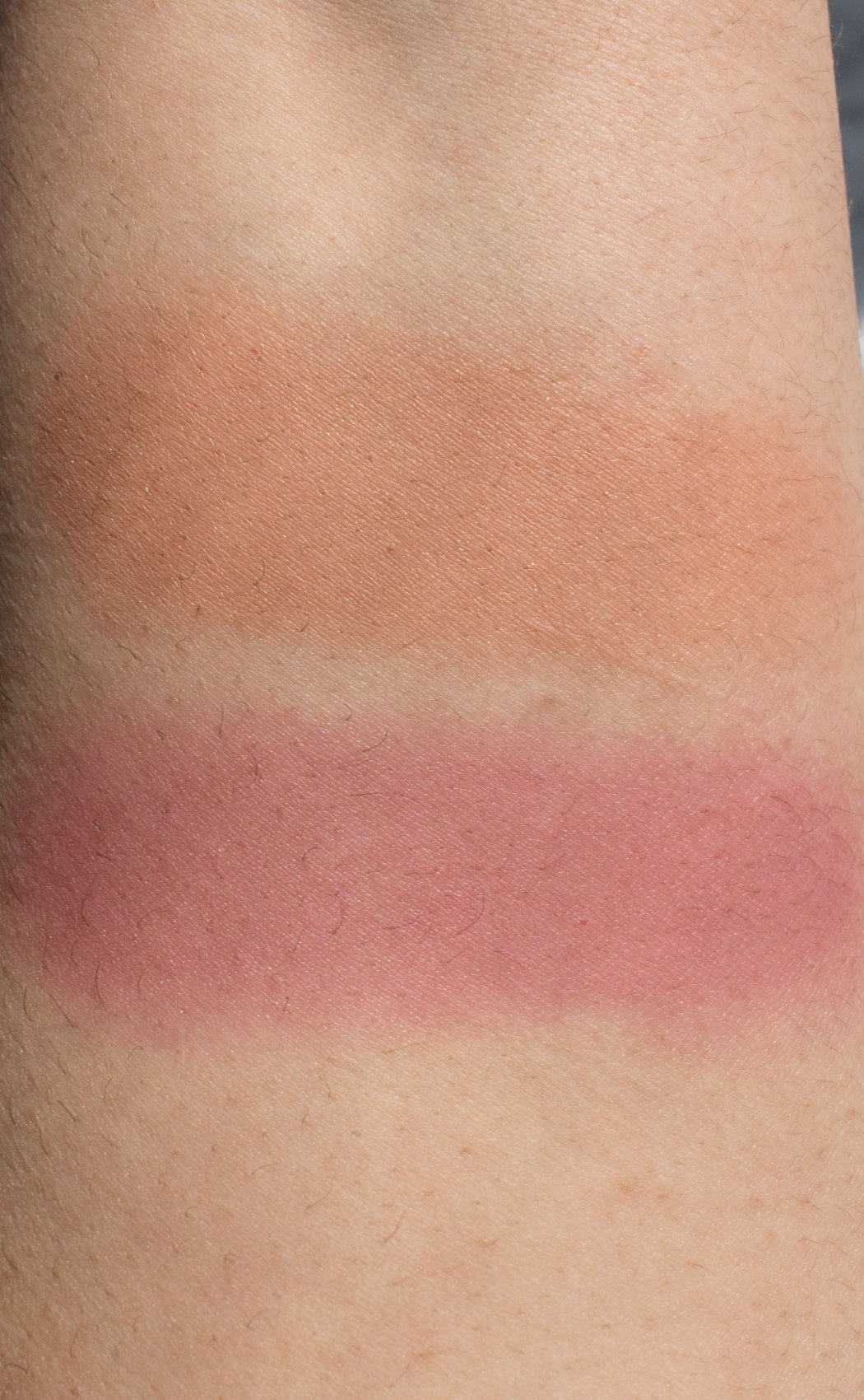 Glossier Cloud Paint Dusk (top) and Haze (bottom) swatches