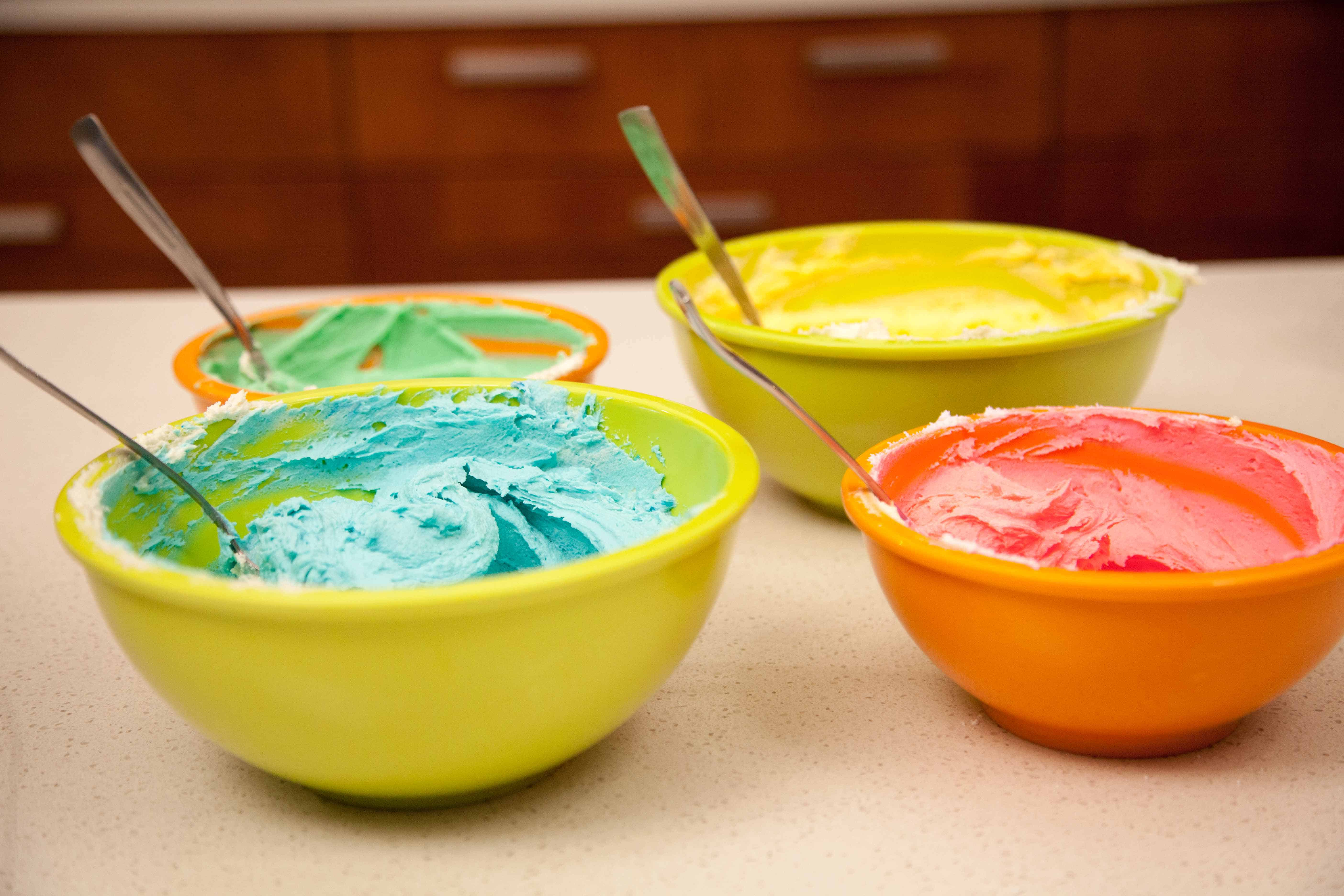 How To Tie Dye Icing Two Ways