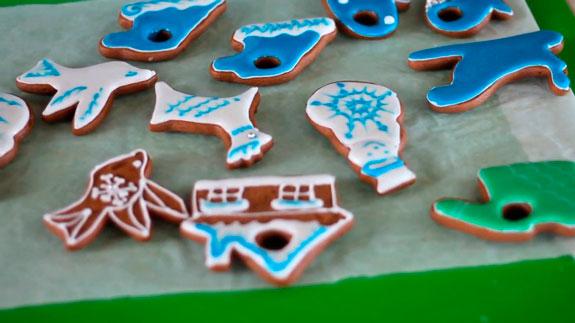 Пеште пісірдік, алдын-ала 180-ге дейін ... GingerBread Gingerbread Rellitare ағашында: қадамдық фото рецепт