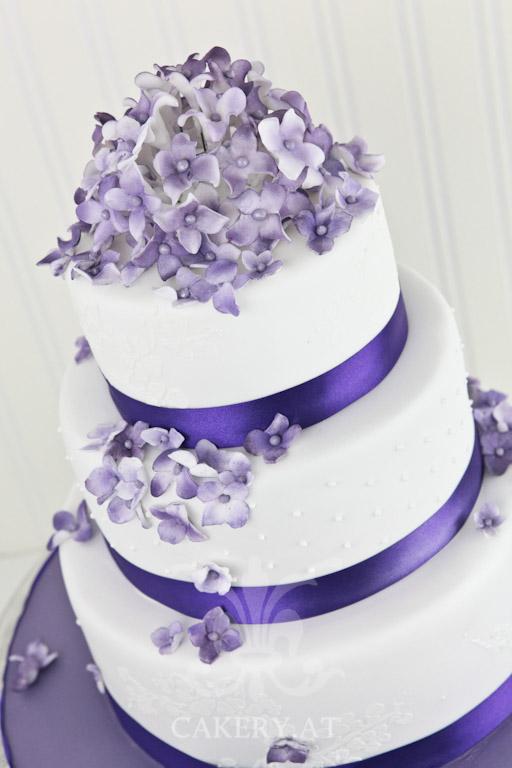 Hochzeitstorte  Sweet Violet  RITAThe Cakery Torten