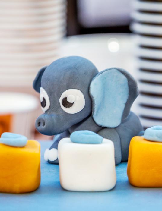 Sugarpaste elephant - elefant i sockerpasta