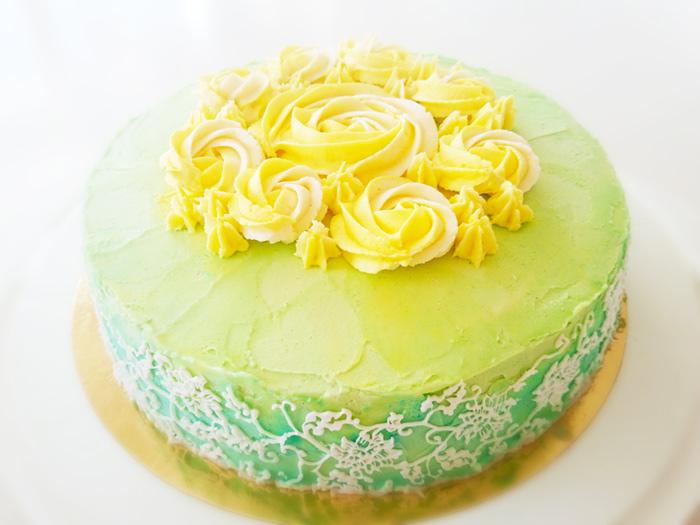 Green cake with flowers - grön tårta med blommor
