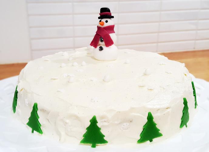 Snowman cake - snögubbetårta