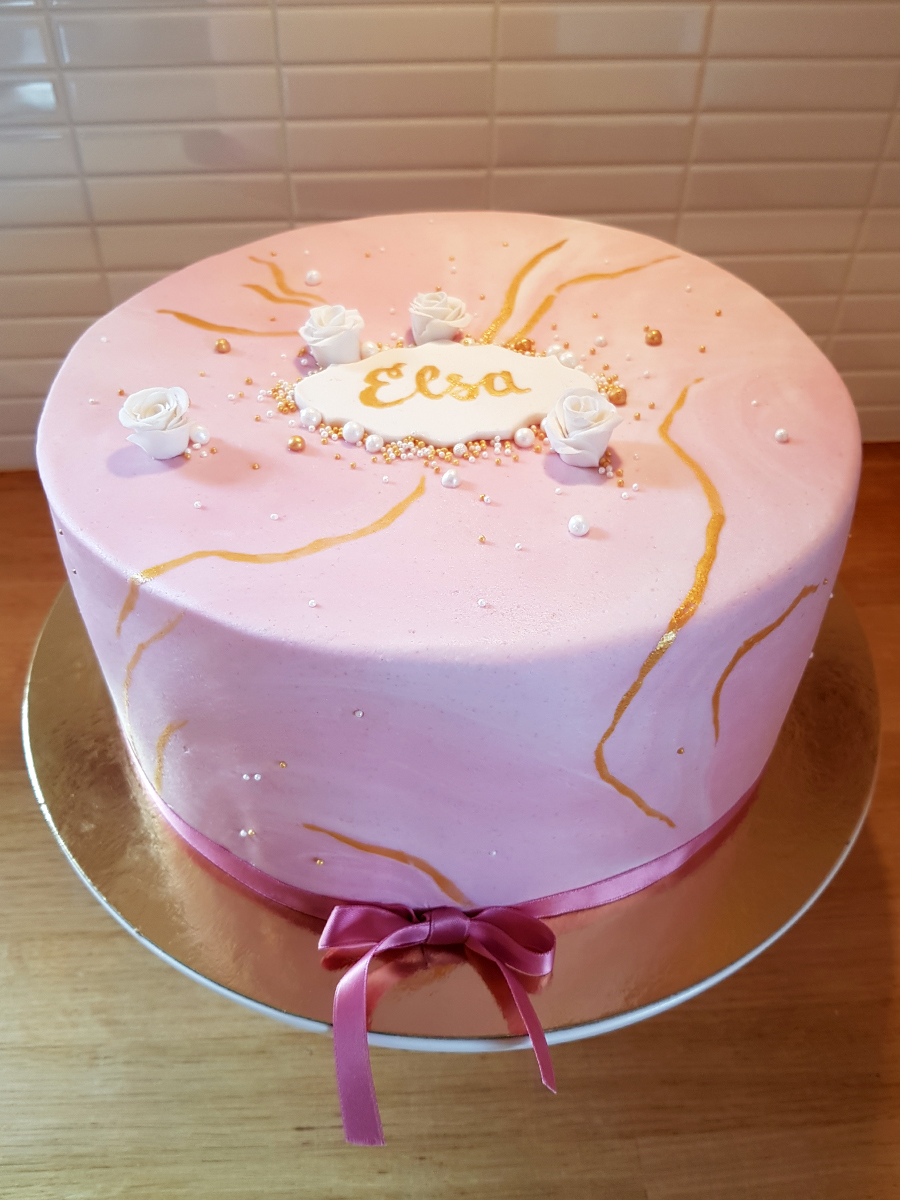 Elsas pink and gold cake - Elsas rosa och guldtårta