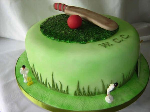 cricket-theme-birthday-cakes-cupcakes-6