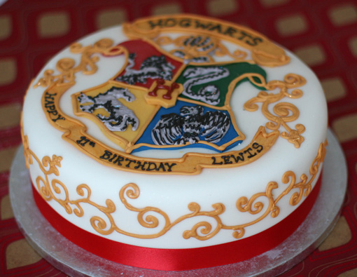 Hogwarts School Logo Harry Potter Fondant Cake