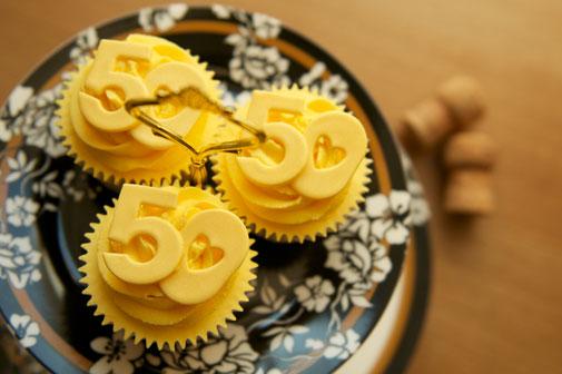 anniversary-cupcakes-theme-mumbai-3