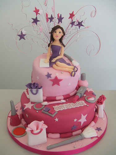 shopaholic-born-to-shop-shopping-theme-cakes-cupcakes-mumbai-26