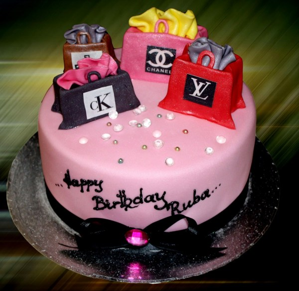shopaholic-born-to-shop-shopping-theme-cakes-cupcakes-mumbai-4