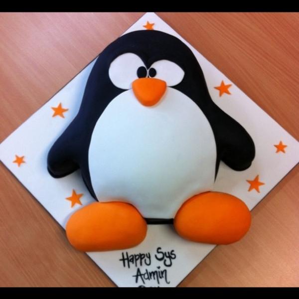 sysadmincake-linux-theme-cakes-mumbai-theme-pengiunm