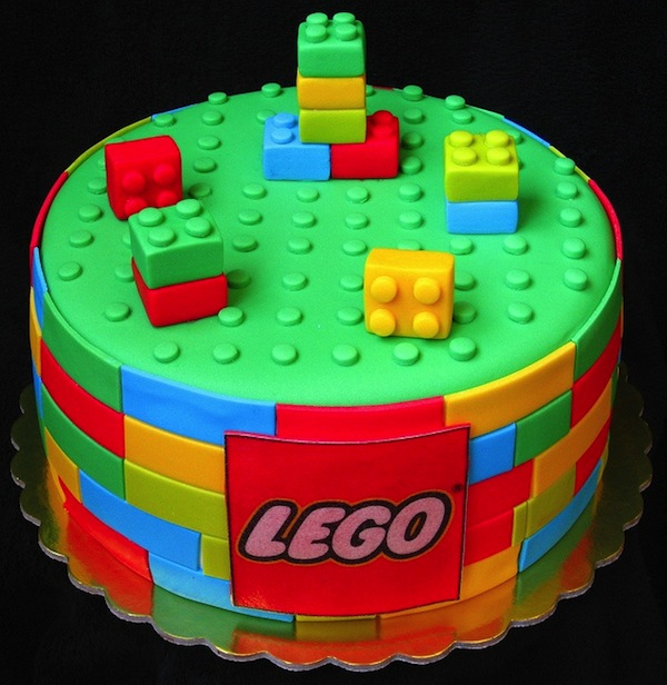 lego-designer-theme-birthday-wedding-engagement-cakes-cupcakes-mumbai-30