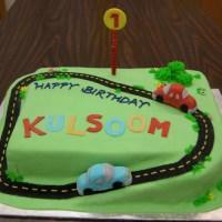 Two Cute Car Cakes