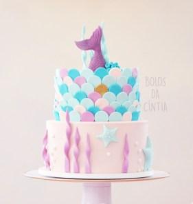 Bolo Sereia para festa de menina feito por Cíntia Costa Cake Studio.