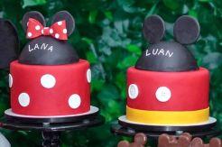 Bolos do Mickey e da Minnie para festa dos sobrinhos da atriz Cris Vianna da Globo. Feitos por Cake Studio ( contato@cakestudio.com.br ). Foto: Erich Sacco.