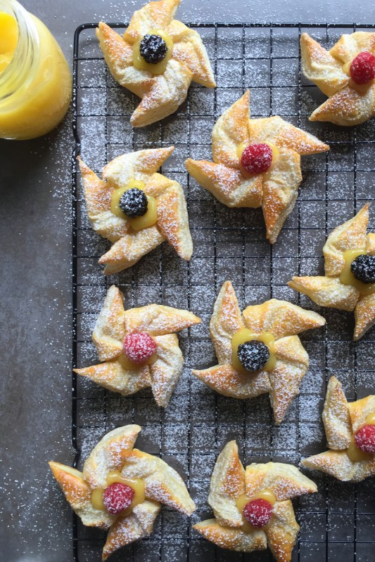 Pastry Pinwheels with Lemon Curd Recipe